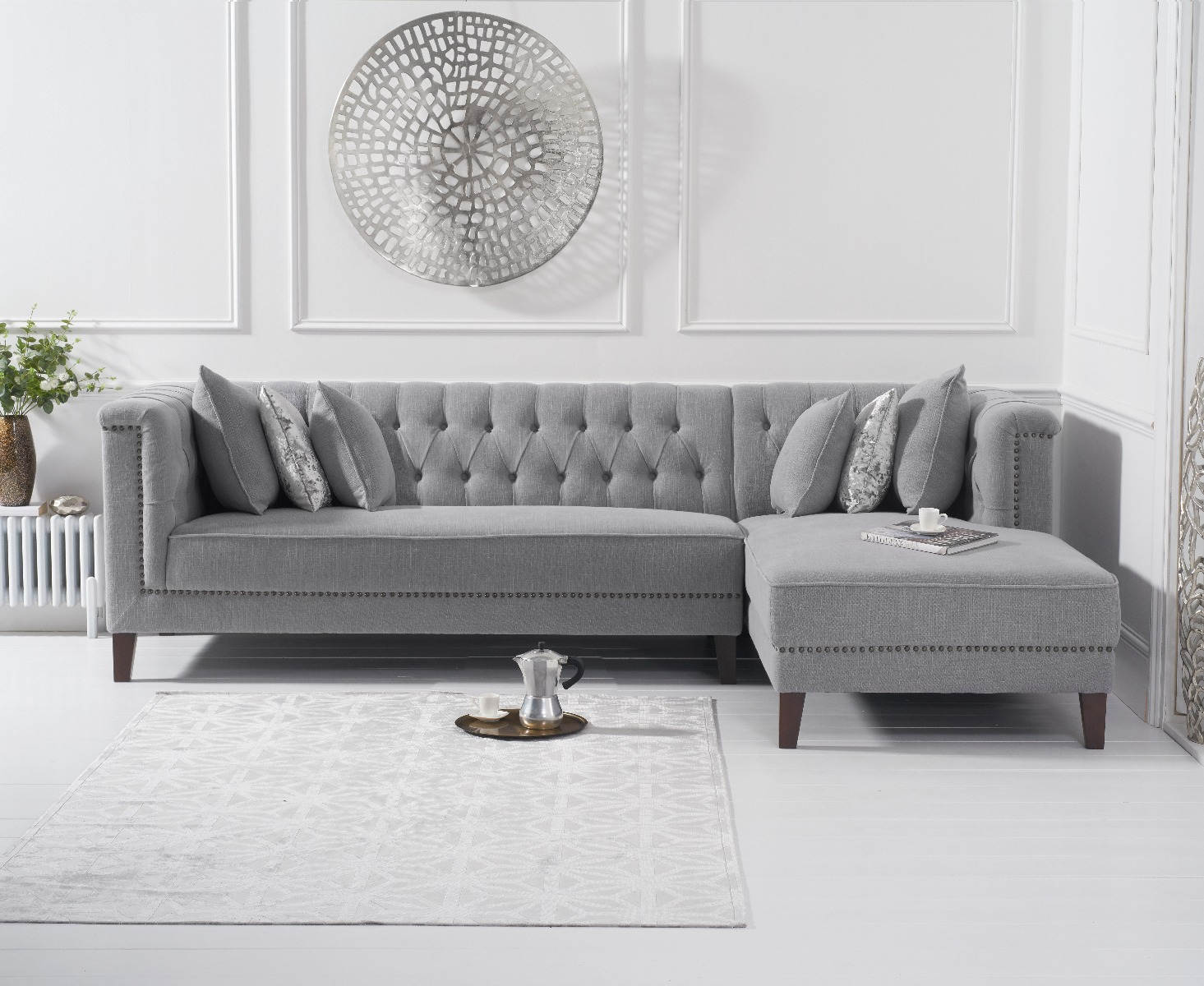 An image of Tammie Grey Linen Right Facing Chaise Sofa