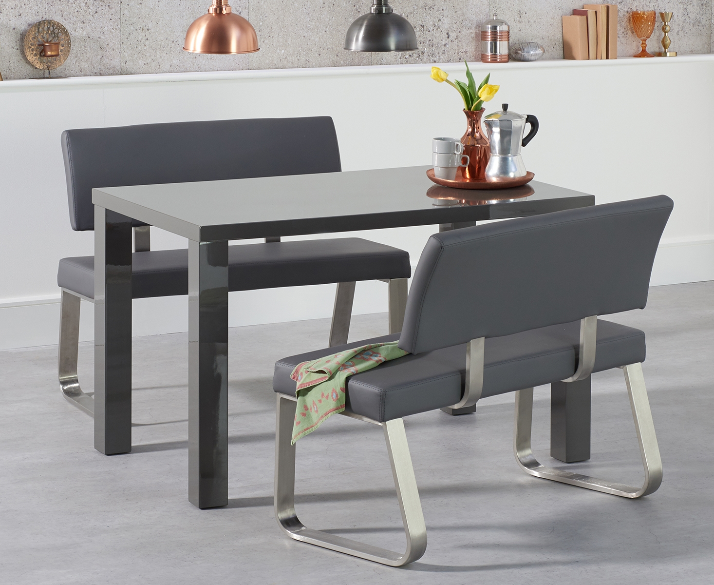High Gloss Dining Table with Malaga