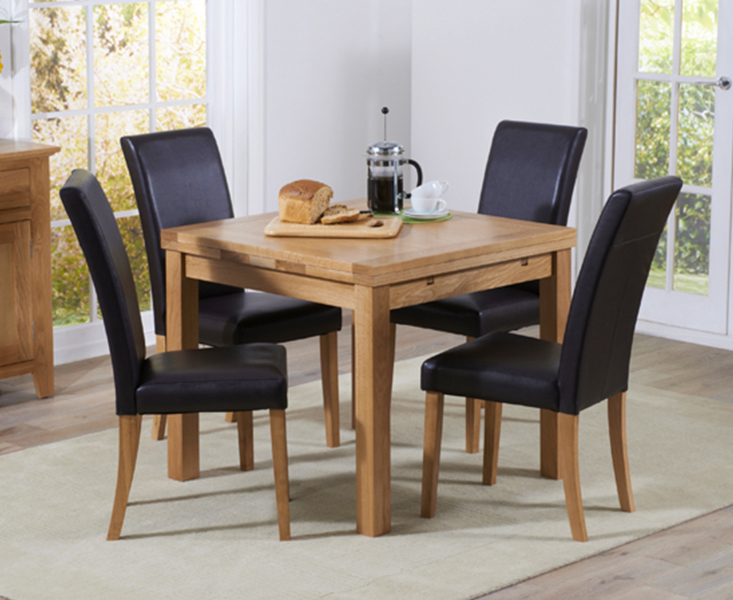 An image of Cheadle 90cm Oak Extending Dining Table with Albany Chairs