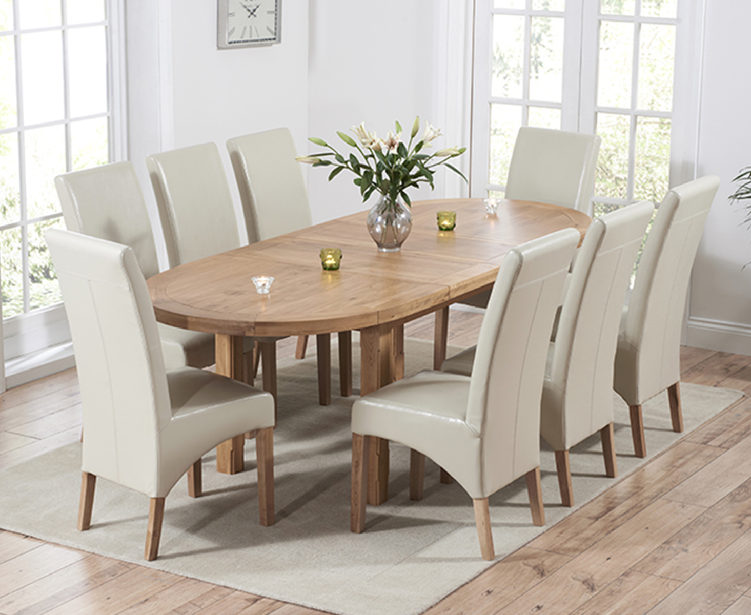 An image of Chelsea Oak Extending Dining Table with Cannes Chairs