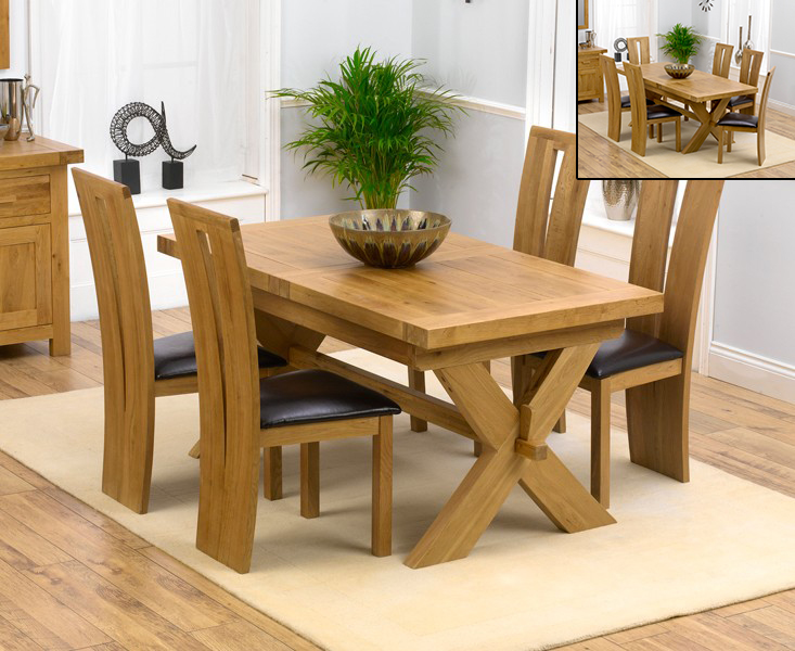 An image of Bordeaux 160cm Solid Oak Extending Dining Table with Montreal Chairs - Black, 4 ...